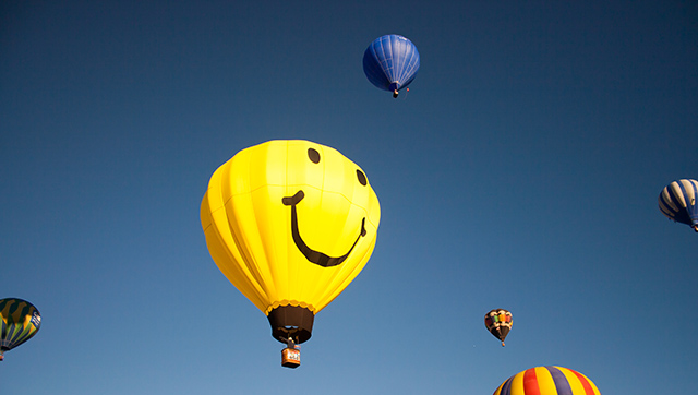 smiley_balloon_low